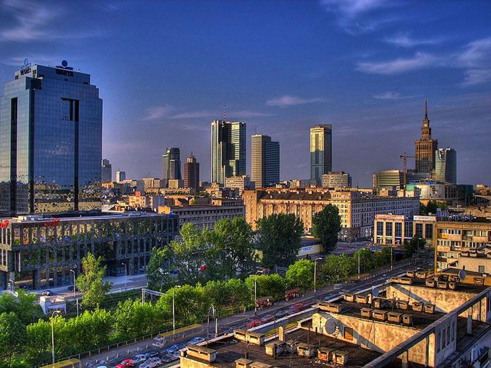 Dlaczego warto przyjechać do Warszawy jesienią?
